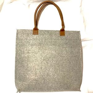 Lightweight double handled grey felt tote